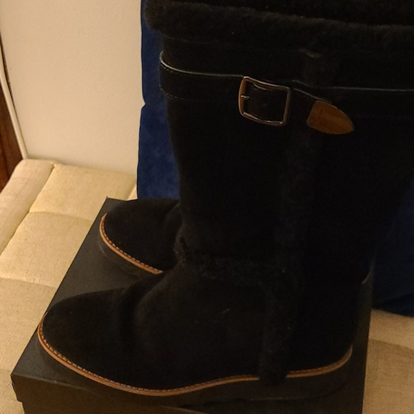 Coach ugg like boots Size 9 , black